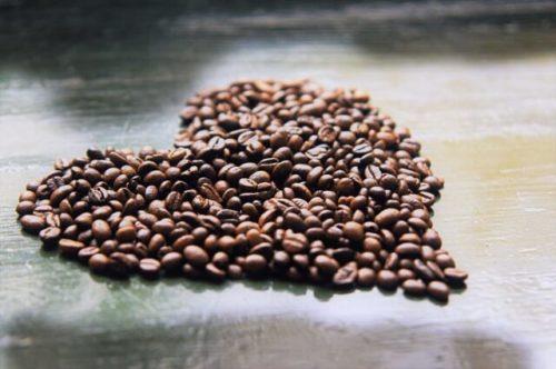 ハート型のコーヒー豆