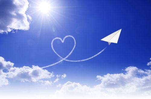青空と紙飛行機